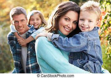 秋, グループ, 家族, 寄付, piggyback, 親, 屋外で, 風景, chiildren