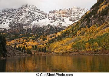 秋, 太陽, 焼跡, 上に, くり色のベル