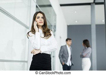 移動式 電話, 女, 若い, オフィス
