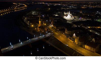空中写真, の, 古い 町, の, 都市, 夜で