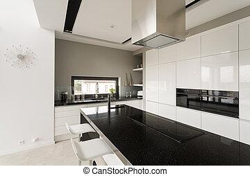 空想, 黒い、そして白い, 台所