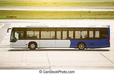 空港, シャトルバス, 地位, 上に, ∥, airfield.
