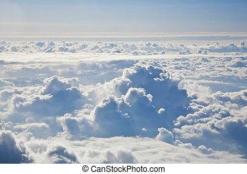 空, 雲, の上