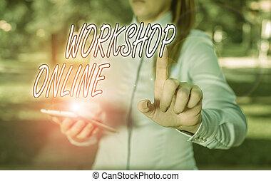空, online., 集中的, 議論, シャツ, 女, 指, 写真, ワークショップ, 彼女, 青, 概念, 印, テキスト, 提示, 指すこと, グループ, かみ合いなさい, ビジネス, space., 活動