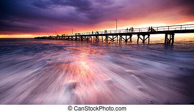 突堤, 日の出
