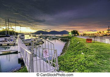 突堤, 私用, 日の出, 日没, の間, ボート