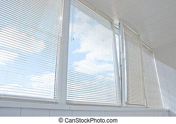 窓, jalousie