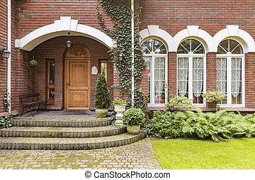 窗口, 同时,, 木制的门, 在中, 红的砖墙壁, 住处, 带, 花园