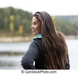 站, 妇女, 露营, 湖, 年轻, 在期间, 开心