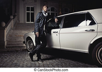 站, 年轻, 其次, 人, 轿车, 漂亮