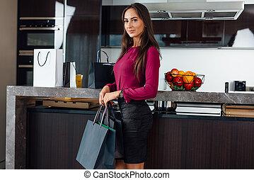 站, 袋子, 妇女购物, 时尚, 年轻, 充足长度, 肖像, 厨房