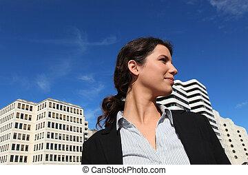 站, businesswoman, 在外面, 射击, 向下角度