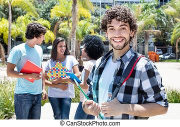 笑い, 情報通, 学生, ∥で∥, 友人たちのグループ