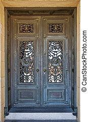 第一流, 門, 由于, 青銅, 救濟