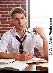 筆記, 當時, 他的, 襯衫, 工作, 坐, 去, 年輕, 寫, 看, 深思, 地方, 某事, 領帶, 墊, 創造性,...