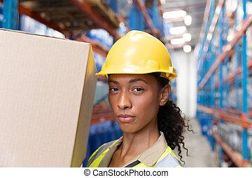 箱, スタッフ, 女性, 届く, ボール紙, 倉庫