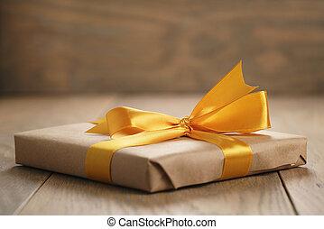 箱, ブラウン, 贈り物, オーク, 弓, ペーパー, オレンジ, テーブル, リボン