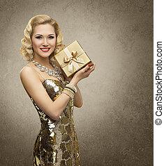 箱, 女, 金, 贈り物, 服, 金黄色, レトロ, vip, 贅沢, 豊富, 女の子, 女性, プレゼント, 照ること