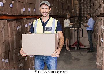 箱, 届く, 微笑, カメラ, 労働者, 倉庫