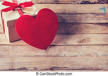 箱, 心, 贈り物, スペース, 木, テーブル, 赤
