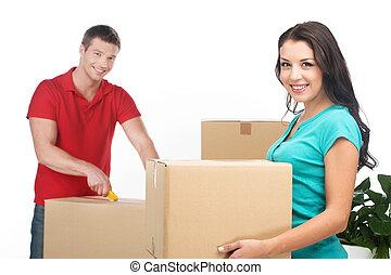 箱, 恋人, 引っ越し, stuff., 幸せ, 新しい, 若い, 家, 荷を解くこと