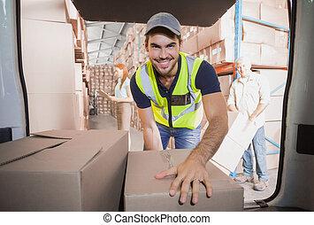 箱, 運転手, ローディング, 彼の, 配達用バン