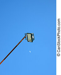 箱, 青い空, 金属, ランプ, 黒, 月