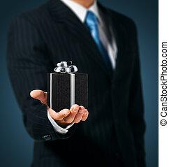 箱, 黒, 保有物, 贈り物, 人