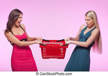 粉紅色, it?s, 購物, 年輕婦女, 憤怒, 被隔离, 一, 當時, 二, 背景, 籃子, mine!, 嘗試, 去...