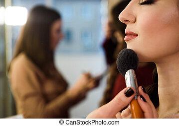 粉, 基礎, 女, 適用, きれいにしなさい, 美しさ, 若い, 健康, ブラシ, 女性, 皮膚, model.