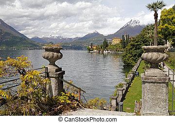 素晴らしい, 風景, の, 湖 como, 見られた, から, 庭, の, 別荘, monastero,...