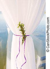 紫色, 集まった, 白, カーテン, サテンのリボン, 緑, 下に, 内部, 小枝, 細部, close-up.