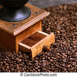終わり, コーヒー 粉砕機, の上, grinded