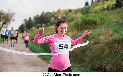 終わり, 妊娠した, 競争, レース, 交差, nature., 女, 線, ランナー
