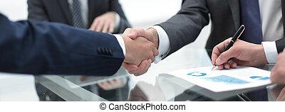 終わり, up.handshake, 共同経営者