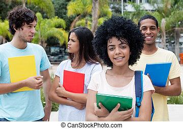 組, ......的, 國際, 學生, 上, 校園