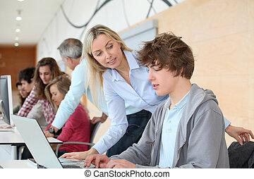 組, ......的, 學生, 參加, 訓練, 路線, 在, 學校