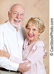 結婚されている, 幸福に, 年長の カップル