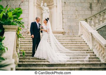 結婚式, 花嫁と花婿