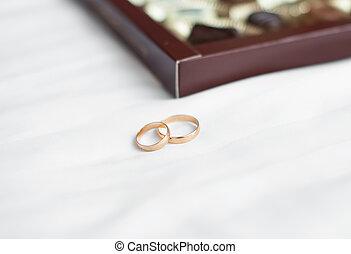 結婚戒指, bed., 二