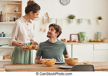 給仕, 夕食, 女
