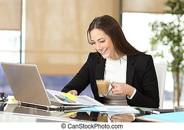 經理人, 工作, 以及, 喝咖啡