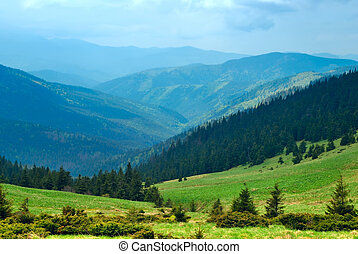 綠色的山, 山谷, 以及藍色, 天空