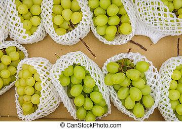 綠色的葡萄, 束