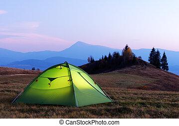 綠色, 帳篷, 點燃, 從, the, 裡面