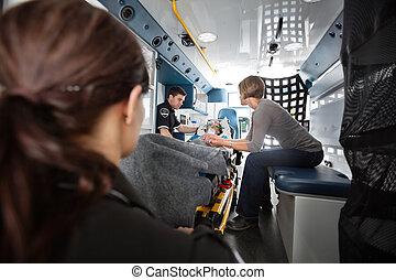 緊急事件, 運輸, 救護車, 內部