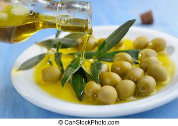 緑のオリーブ, そして, オリーブ油