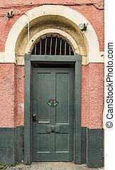 緑の戸, 中に, ∥, フランス 四分の一