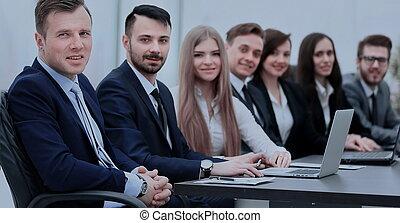線, カメラ, 微笑, ビジネス チーム