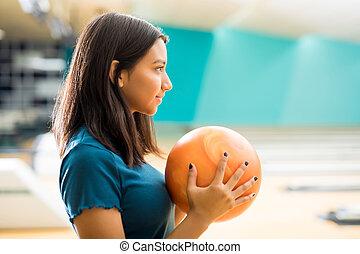 練習する, クラブ, 離れて, 見る, 間, ボウリング, 女の子